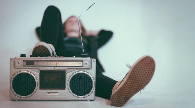 8 Ways Listening To Music Helps The Brain